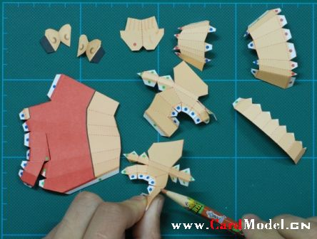 电影《葫芦兄弟》大娃纸模型制作过程
